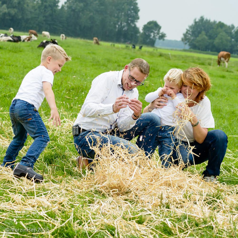 Gezins fotoshoot op de boerderij